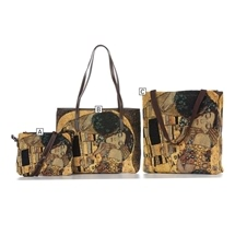 The Kiss Tapestry Bags